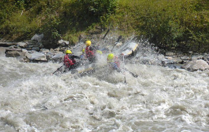 Rapids in WW3 auf der Raftingstrecke der Salzach