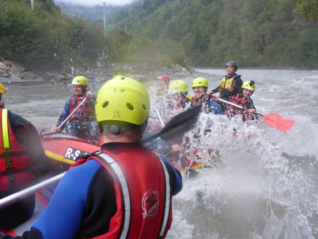 Spaß zwischen 2 Rafting Boote